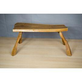 Fa asztalka, esztétikai sérült
