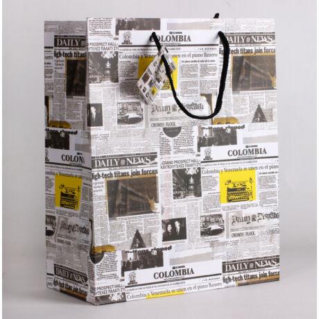 Újság mintás papírtáska